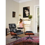 Vitra Eames Lounge Chair, nuove dimensioni, palissandro - pelle nera