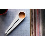 Hile Kapu coffee scoop and bag closer