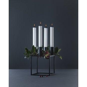 By Lassen Kubus 4 kynttilänjalka, musta