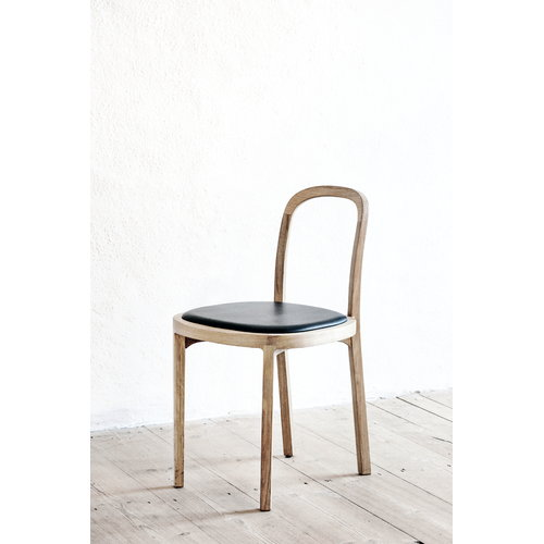 Woodnotes Siro+ tuoli, tammi - musta nahka