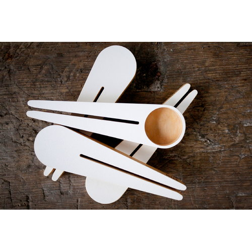Hile Kapu coffee scoop and bag closer