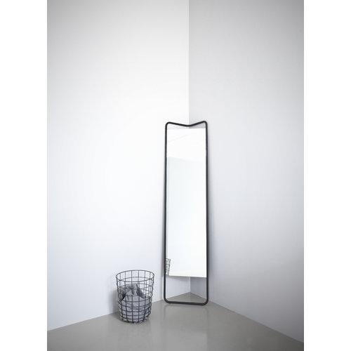 Menu Kaschkasch floor mirror, black