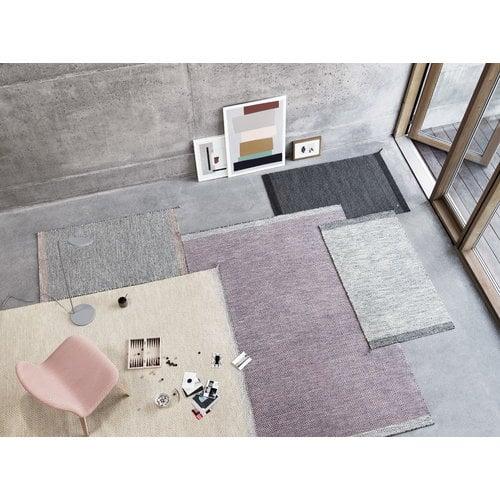 Muuto Visu lounge chair, upholstered, oak - coral