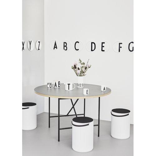 Design Letters Arne Jacobsen cup, white A-Z