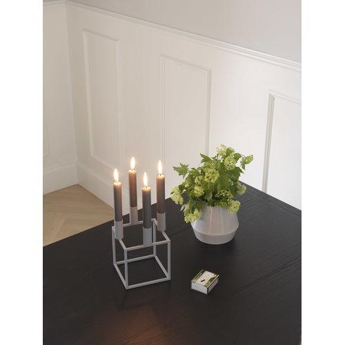 By Lassen Kubus 4 kynttil�njalka, valkoinen