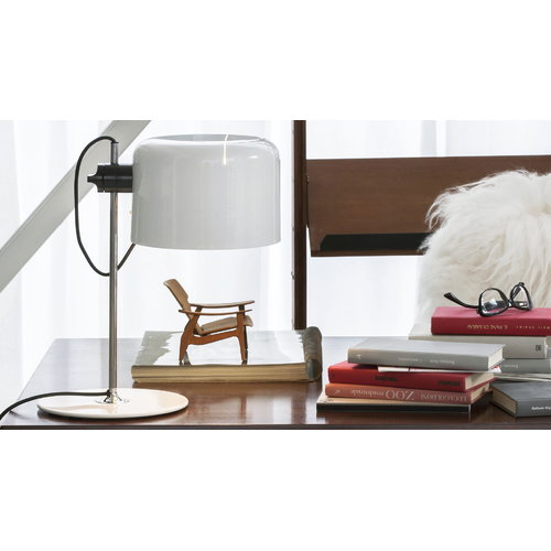 Oluce Coup� 2202 table lamp, white