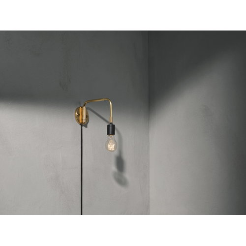 Menu Tribeca Staple wall lamp, brass