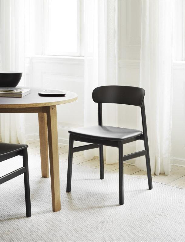 Normann Copenhagen Sedia Herit Rovere Nero Pelle Nera Finnish Design Shop