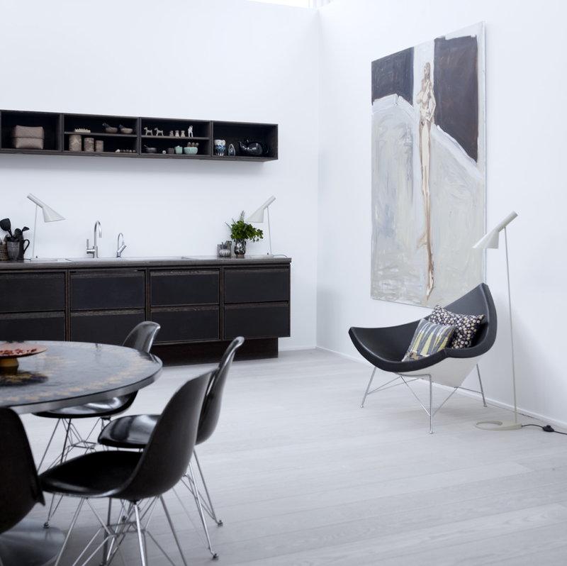 Eames DSR Chair, Black   Chrome