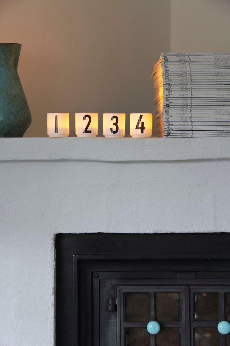 design letters arne jacobsen espressokupit 4 kpl finnish design shop. Black Bedroom Furniture Sets. Home Design Ideas