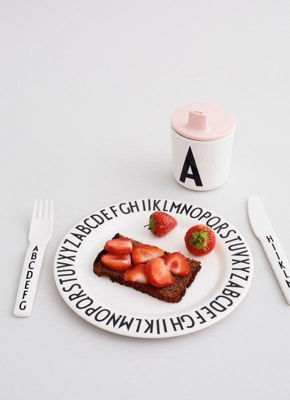 Design letters piatto in melamina arne jacobsen finnish for Design piatto