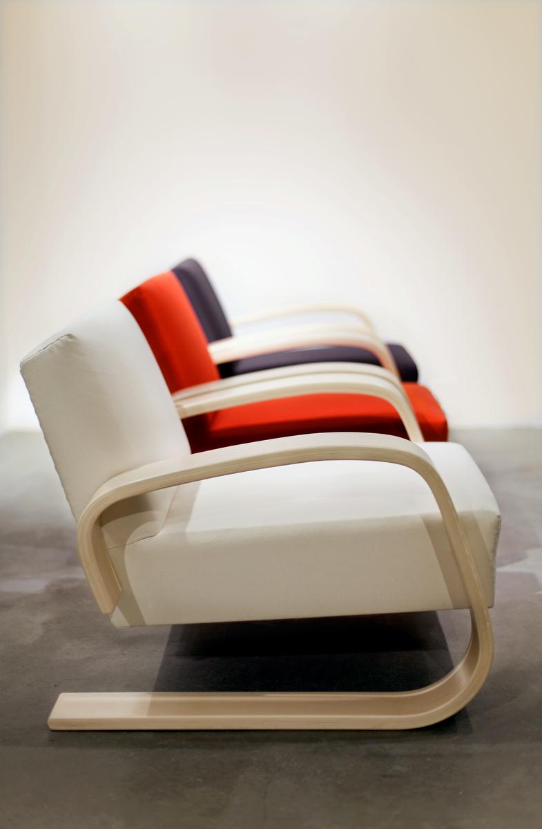 Artek Aalto Tank chair 400 Finnish Design Shop