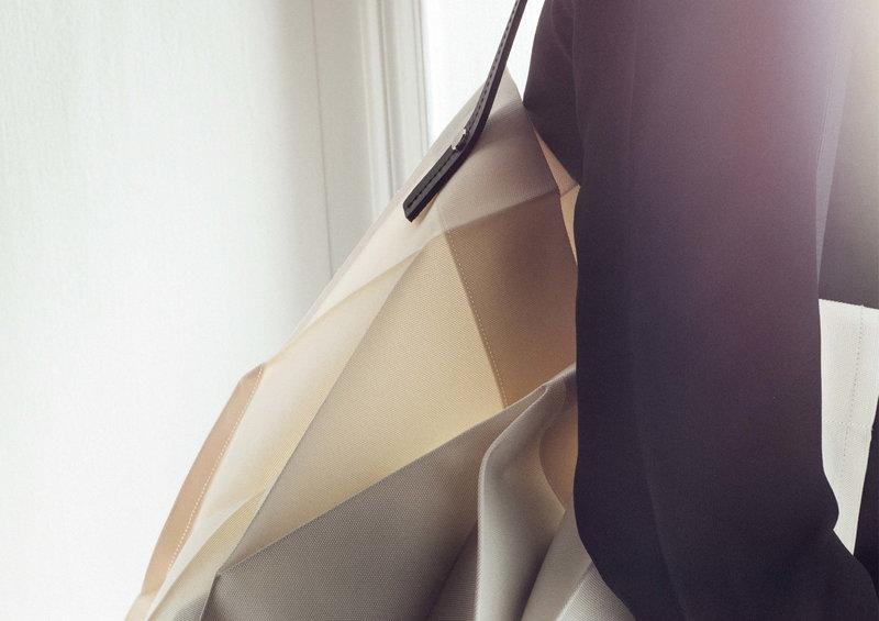 f282d5622d67 Iittala Iittala X Issey Miyake bag