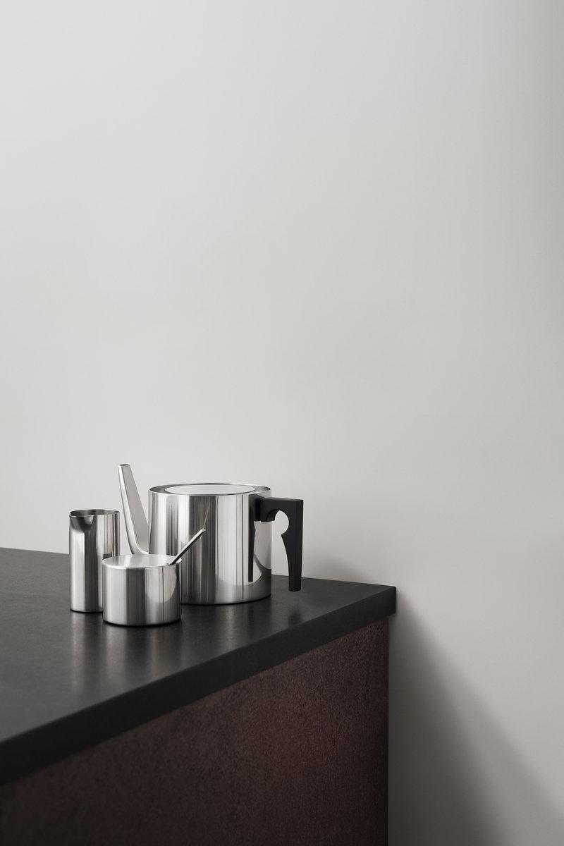 stelton arne jacobsen tea pot finnish design shop. Black Bedroom Furniture Sets. Home Design Ideas