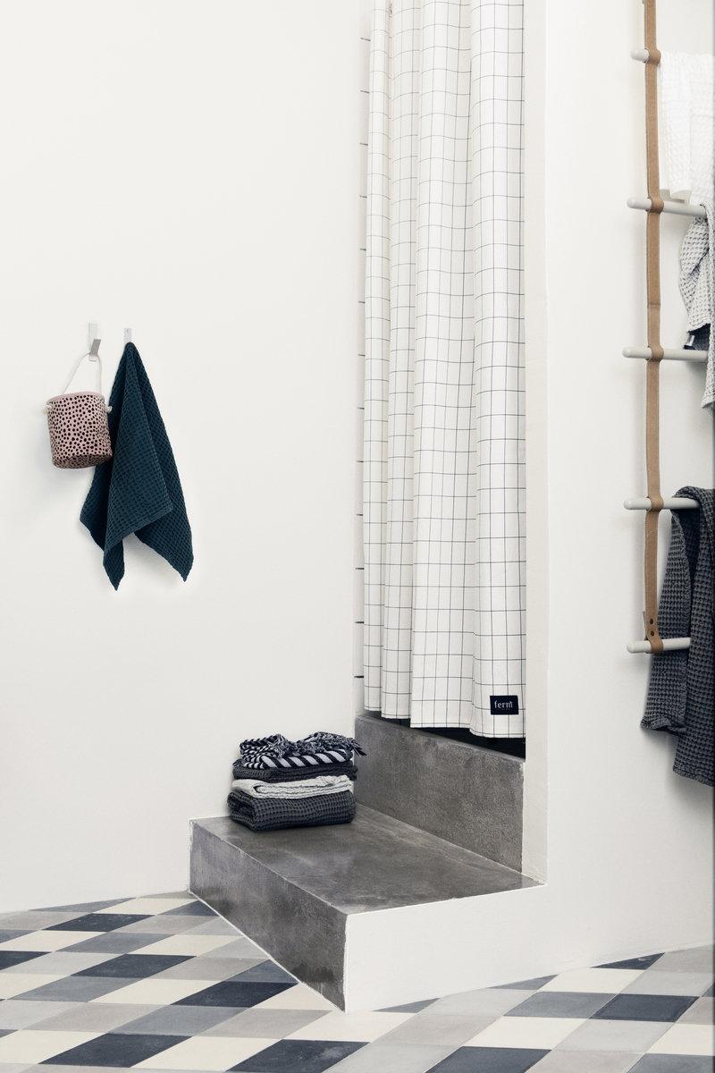 Ferm Living Tenda per doccia Grid | Finnish Design Shop