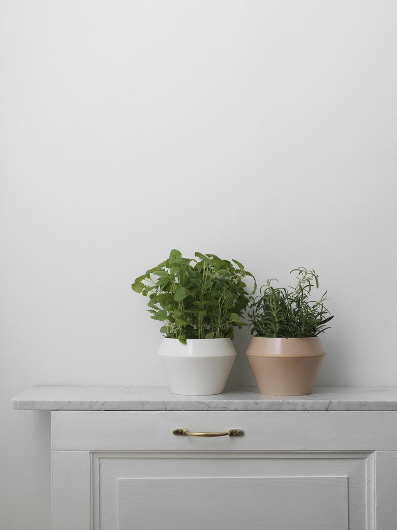 By Lassen Rimm Flowerpot Small White Finnish Design Shop
