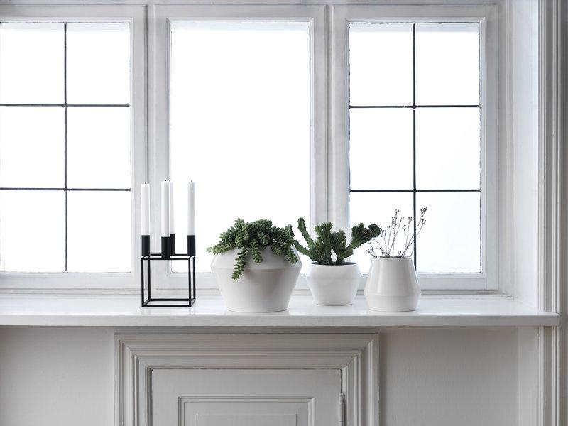 by lassen rimm flowerpot medium white finnish design shop. Black Bedroom Furniture Sets. Home Design Ideas