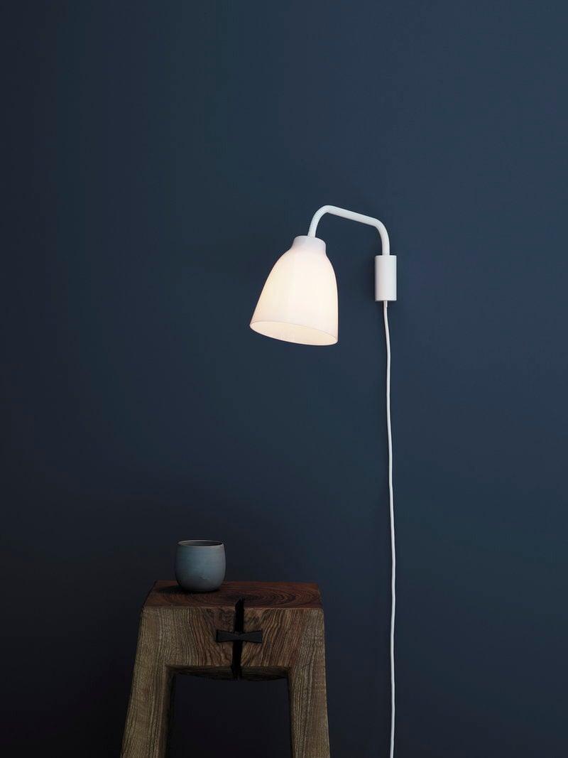 Lightyears lampada da parete caravaggio read opale - Lampada da parete design ...
