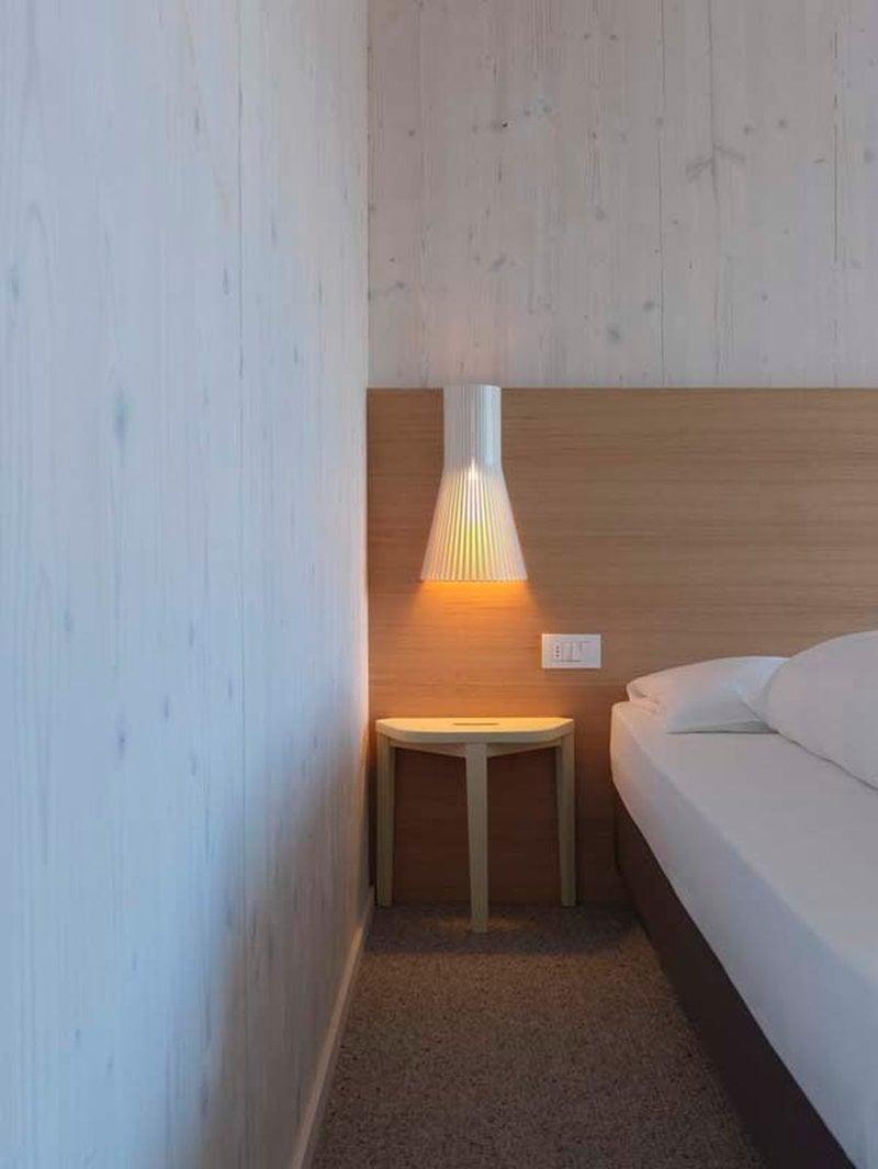 Secto design lampada da parete secto 4231 45 cm bianca finnish design shop - Lampada parete design ...