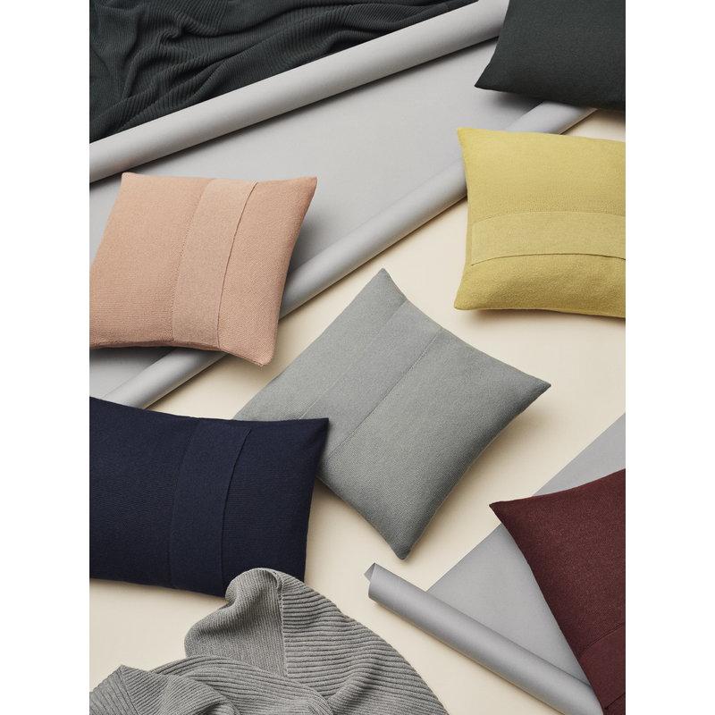 Cuscini 40 X 60.Muuto Layer Cushion 40 X 60 Cm Burgundy Finnish Design Shop