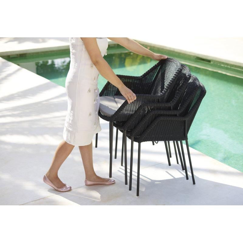 cane line breeze dining chair stackable black finnish design shop. Black Bedroom Furniture Sets. Home Design Ideas