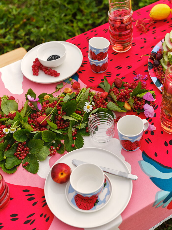 Tablesetting Summer Marimekko Light red Clear Multi colour Cotton Glass Ceramic Sukat Makkaralla