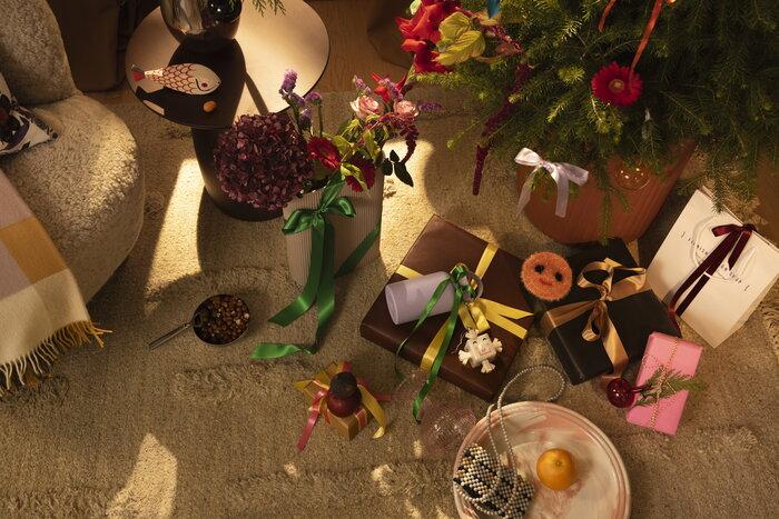 Joulu Joulu2021 Vitra GUBI HAY Muuto Sera Helsinki Vaaleanpunainen Punainen Valkoinen Monivärinen Violetti Beige Villa Puu Muovi Keramiikka