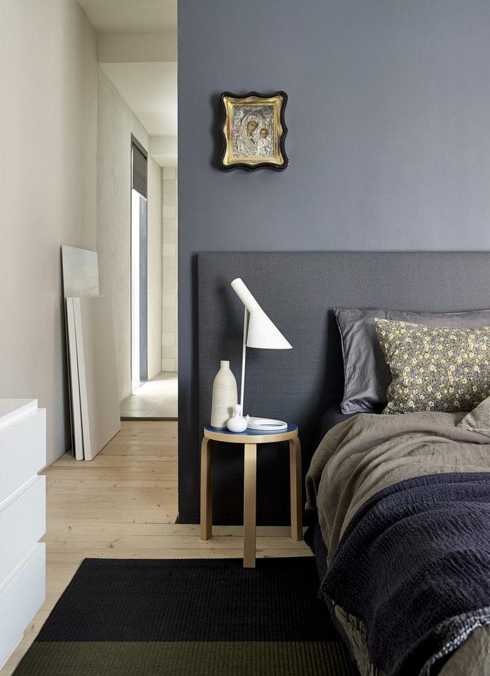 Makuuhuone Kesäkoti Artek Woodnotes Sininen Koivu Aalto jakkarat Fourways