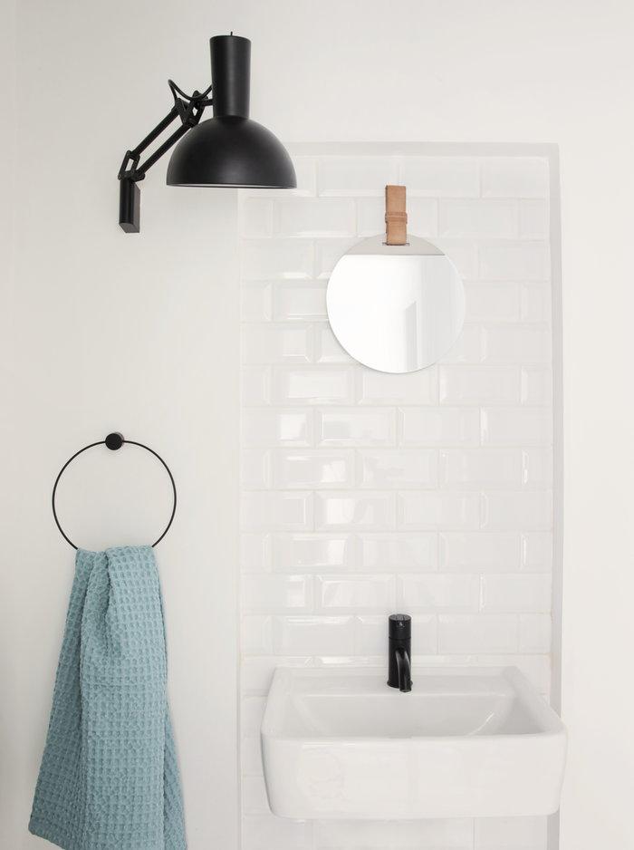 Kylpyhuone Ferm Living Luonnonväri Musta Teräs