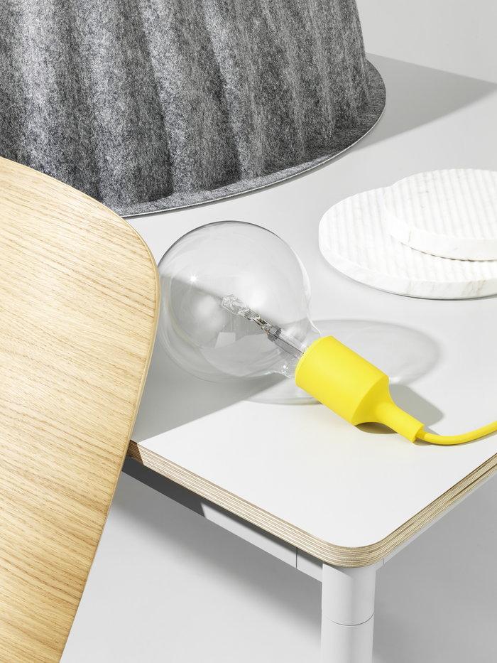 Sisustusyksityiskohta Muuto Valkoinen Keltainen Marmori Groove E27