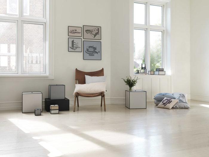 Olohuoneet By Lassen Musta Vihreä Luonnonväri Harmaa Alumiini Illustrate Frame