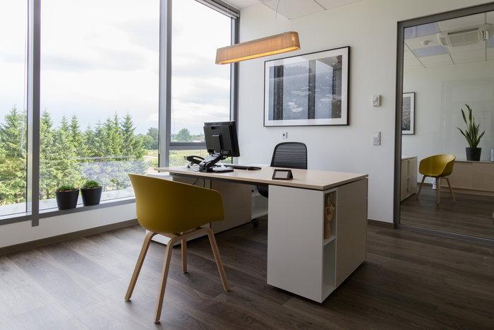 Työpisteet Julkiset tilat Hay Secto Design Valkoinen Luonnonväri Koivu About a Chair Owalo