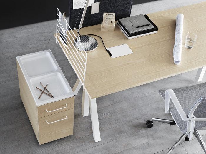Työpisteet String Furniture Luonnonväri Valkoinen Harmaa Saarni Huopa String Works