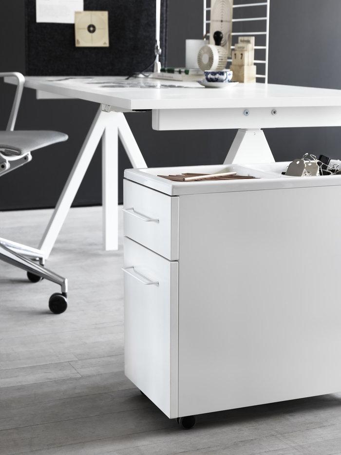 Työpisteet Sisustusyksityiskohta String Furniture Valkoinen Teräs String Works