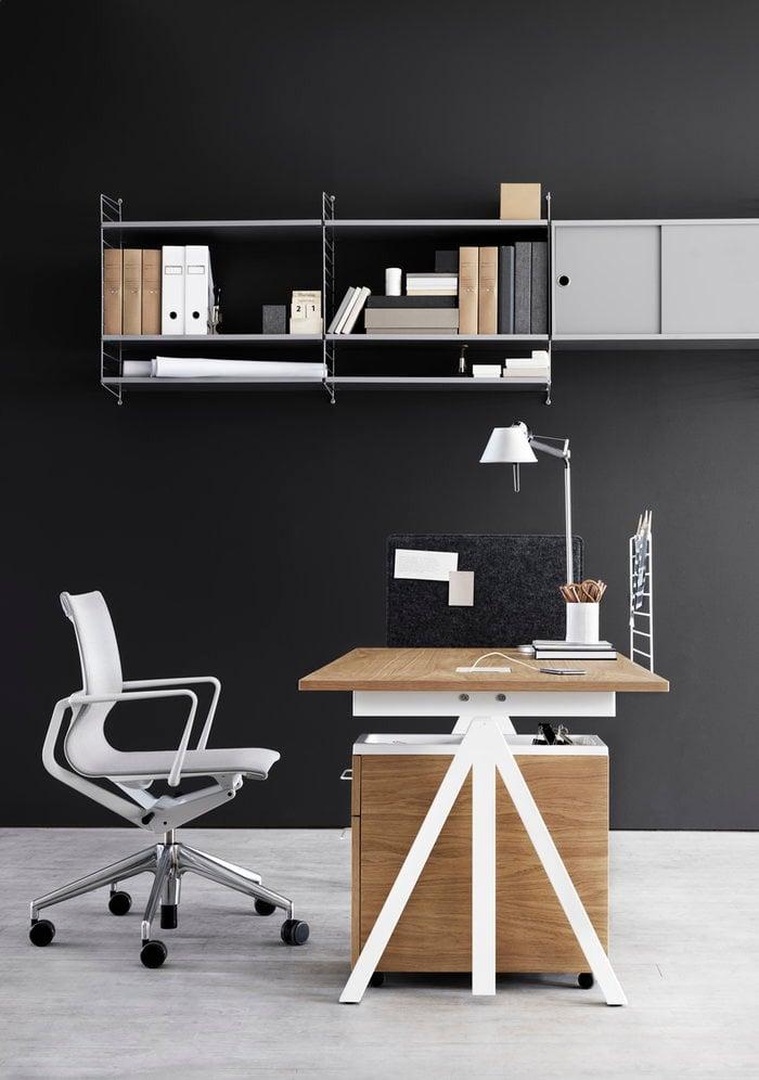 Työpisteet String Furniture Valkoinen Luonnonväri Harmaa Teräs Tammi Huopa String System String Works
