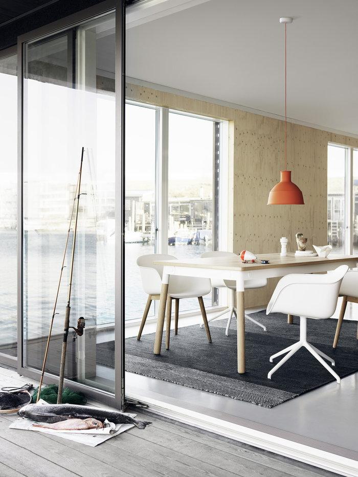Ruokailutilat Muuto Harmaa Valkoinen Oranssi Komposiitti Keramiikka Puu Varjo Fiber Chair Plus Unfold