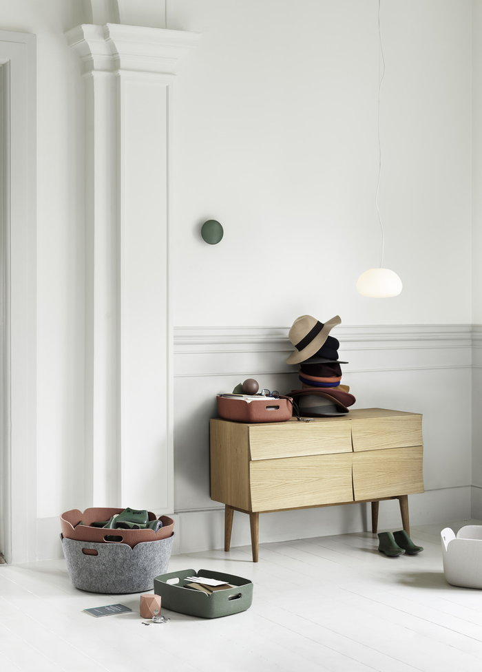 Storage Entrance Muuto Nature Light red Green Grey Oak Felt Reflect Restore The Dots