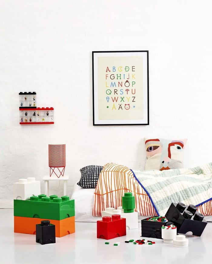 Stanzadeibambini Gubi Room Copenhagen Rosso Nero Bianco Verde Arancione Blu Metallo Plastica Pedrera Lego