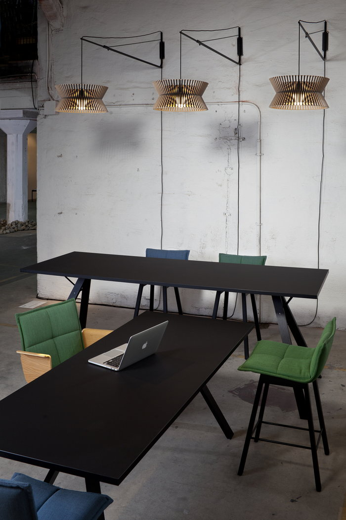 Työpisteet Secto Design Musta Teräs Koivu Varsi Kontro