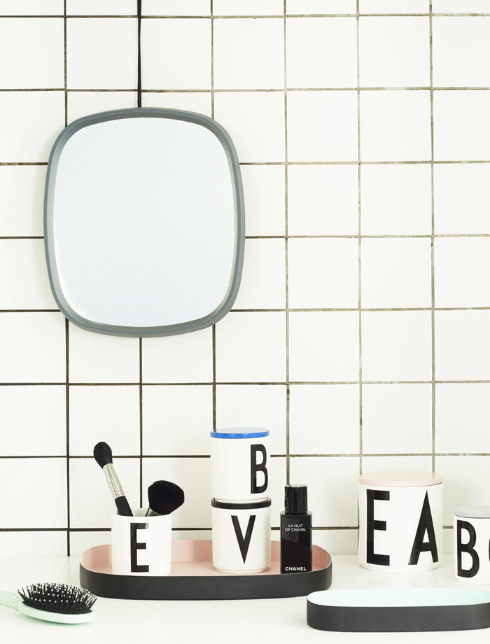 Kylpyhuone Design Letters Turkoosi Valkoinen Puu Keramiikka AJ keittiö