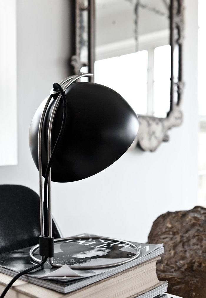 Sisustusyksityiskohta &Tradition Musta Metalli Flower Pot