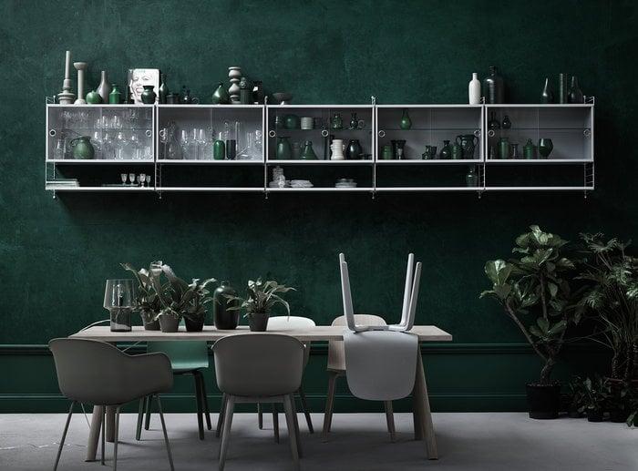 Säilytys Ruokailutilat String Furniture Muuto Valkoinen Harmaa Teräs Puu String System Fiber Chair