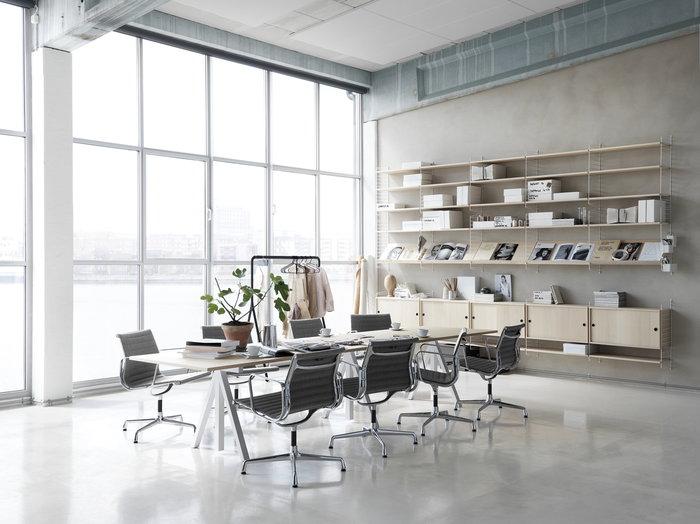 Työpisteet String Furniture Valkoinen Luonnonväri Teräs Koivu Saarni String System String Works