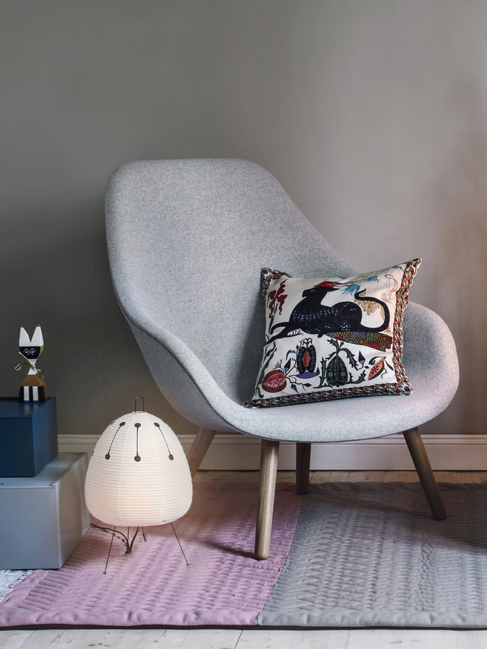 Readingcorner Holidays Vitra Hay Klaus Haapaniemi Lundia White Multi colour Beige Blue Grey Paper Wood Linen Pine Wooden objects About a Chair System