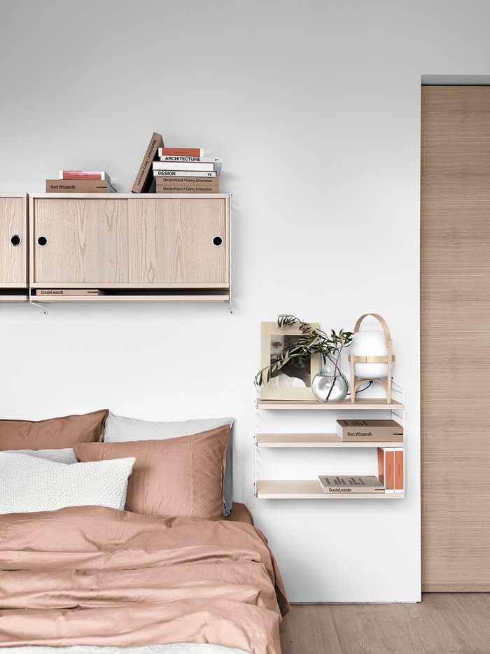 Cameradaletto String Furniture Santa & Cole Naturale Bianco Metallo Frassino Legno String Pocket String System