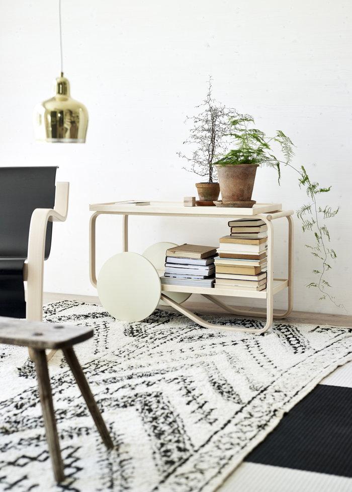Olohuoneet Viherkasvit Lukunurkka Artek Valkoinen Koivu Metalli Aalto tarjoiluvaunut Aalto valaisimet