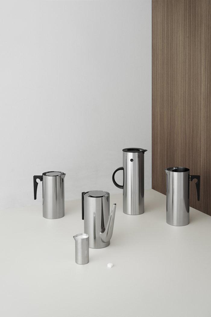 Kattaus Teehetki Stelton Metalli Ruostumaton teräs Stelton Arne Jacobsen EM77