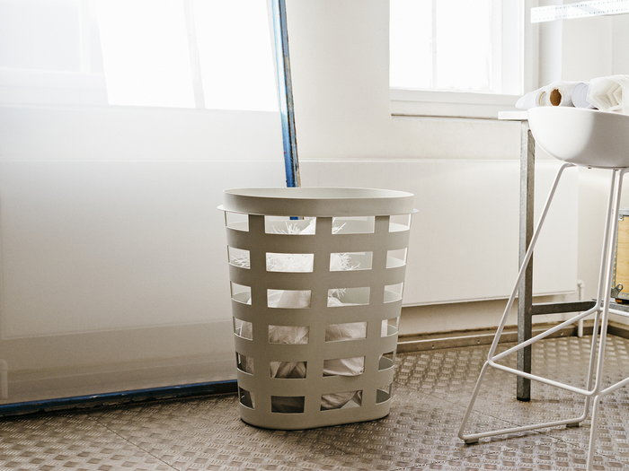 Bagno Hay Grigio Bianco Plastica Metallo About a Chair