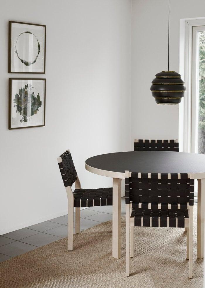 Ruokailutilat Artek Musta Koivu Alumiini Aalto pöydät Aalto valaisimet