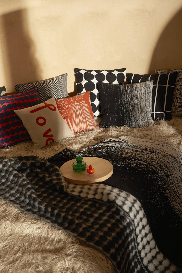 Bedroom Marimekko Black Green Brown Orange Multi colour Nature Cotton Glass Wood Wool Linen Kivet Tiiliskivi